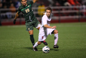USF Edges Past Masur's Men