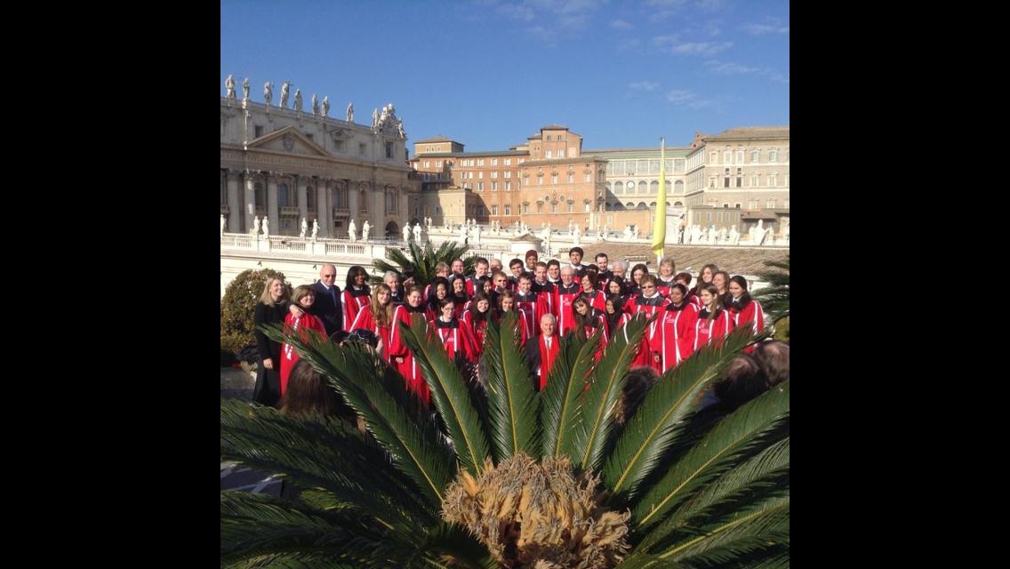 Mixed Chorus tours around Italy.