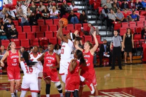 Turnovers Fuel Women's Win against Sacred Heart