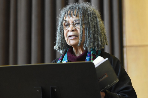 Sonia Sanchez i breathe you