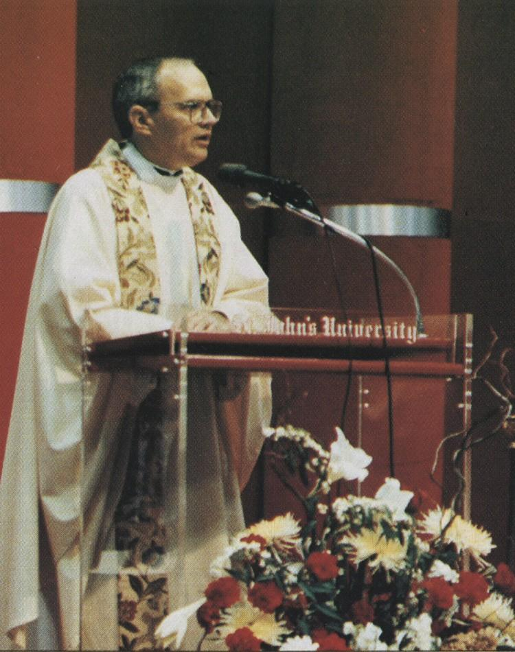 Fr. Harrington delivers the homily during the Mass at his investiture in 1989. Photo: University Archives