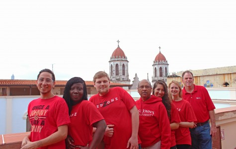 Students and faculty from International Communication Graduate program posed in Cuba