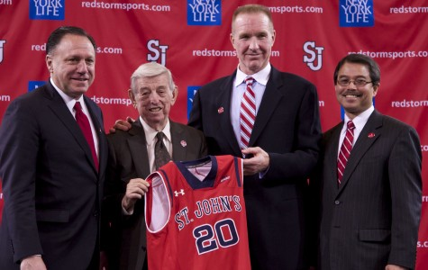 Left to right: Athletic Director Chris Monasch, Lou Carnesecca, Chris Mullin and University President Dr. Gempesaw. Photo: Photo Editor Diana Colapietro
