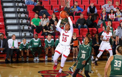 Danaejah Grant put on a dominat display versus nationally ranked South Florida, as she scored 27 points and four assists (Photo: Athletic Communications)