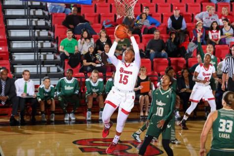Women's Basketball: St. John's Upsets No. 18/17 South Florida