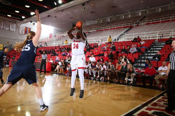 Jade Walker had 20 points and 11 rebounds on Sunday against Xavier for her second double-double of the season. (Photo: St. John's Athletic Communications)