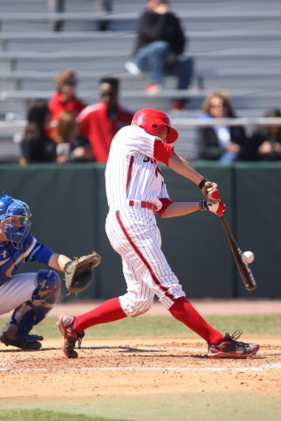 Erratic offense dooms SJU