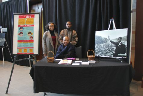 MLK display and dinner unites students, faculty