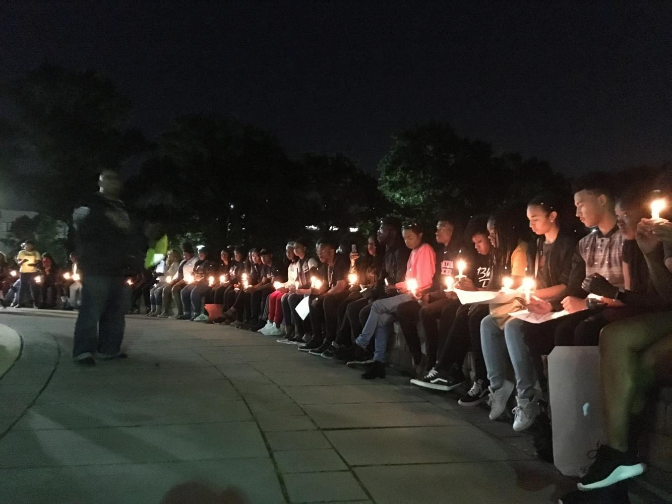 Students+lit+candles+to+remember+the+victims+of+police+brutality%2C+white+supremacy+and+gun+violence.