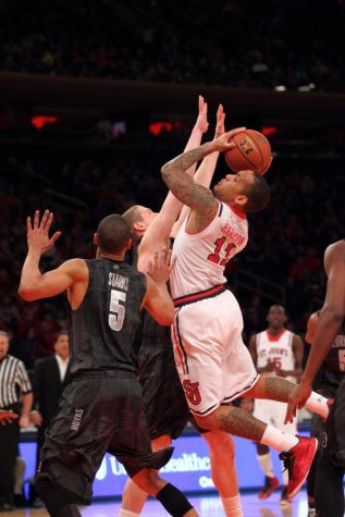 Focus turns to Pitino's bunch: Johnnies will face yet another ranked foe with or without Lavin