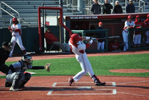 Baseball wins series over Pirates, takes control of Big East