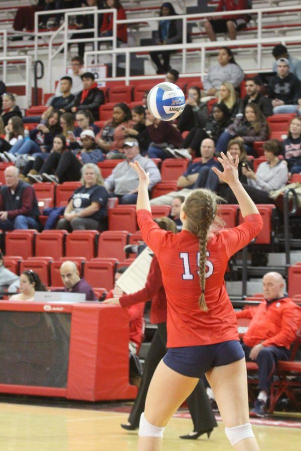 Kayley+Wood+has+been+a+vital+part+of+the+volleyball+team%E2%80%99s+early+season+success+at+SJU.%0A