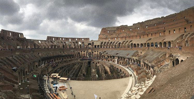 A+shot+of+the+Colosseum+in+Rome%2C+Italy