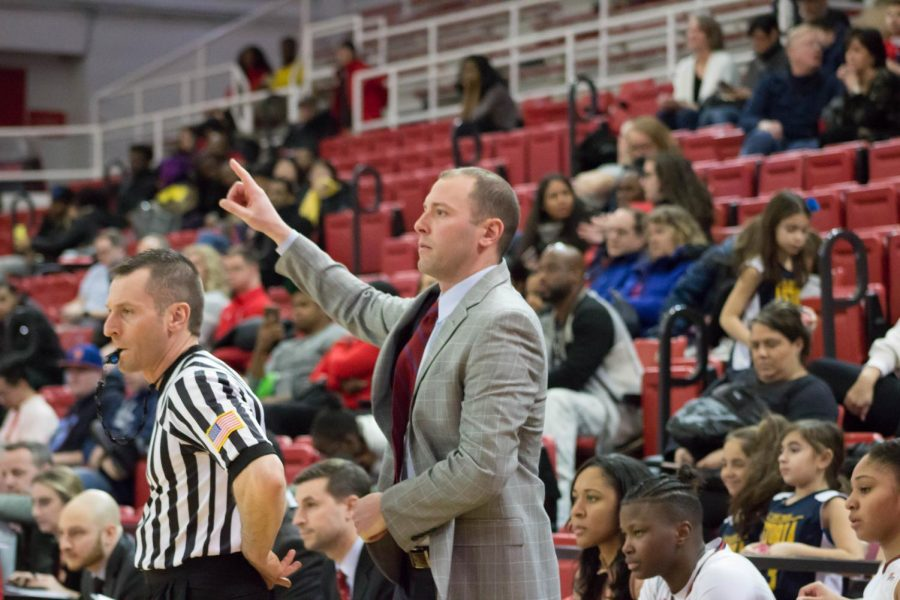 Head+Coach+Joe+Tartamella+will+look+to+guide+his+team+to+another+20+win+season.+%0A