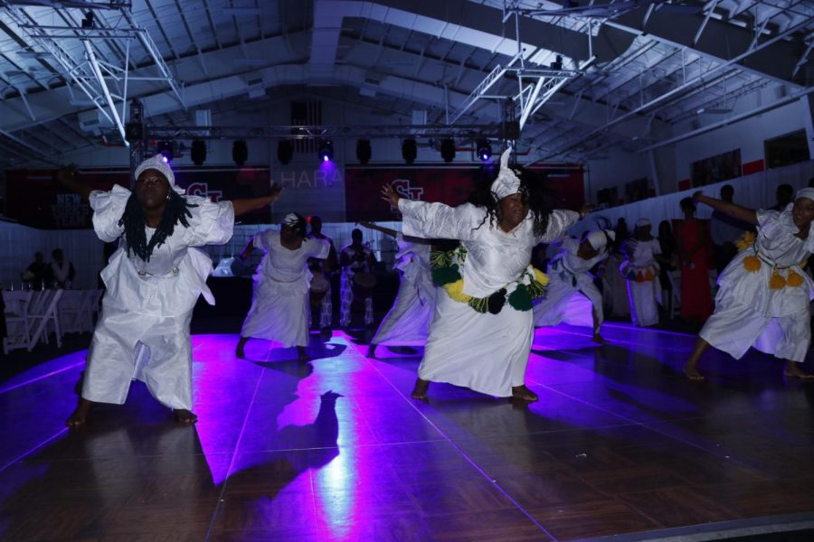 The first performance of the night featured upbeat dances and drum beats.
