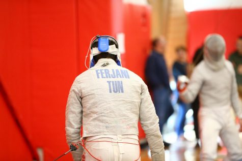 Fencing Dominates Brandeis Invitational