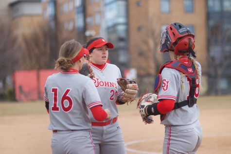 Softball with Strong Showing in Home Opening Series