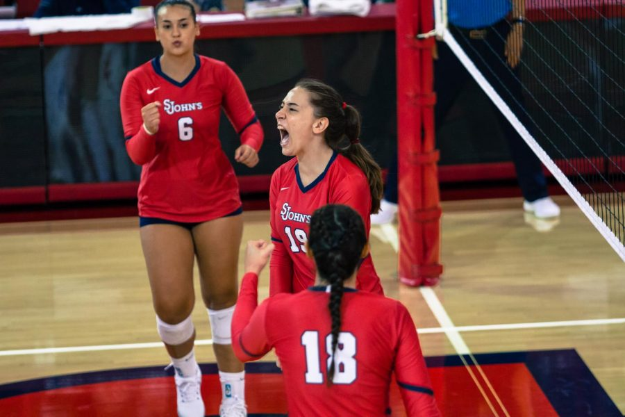Ariadni Kathariou played in all nine sets at the Jack Kaiser Classic, recording 10 total blocks throughout the tournament.