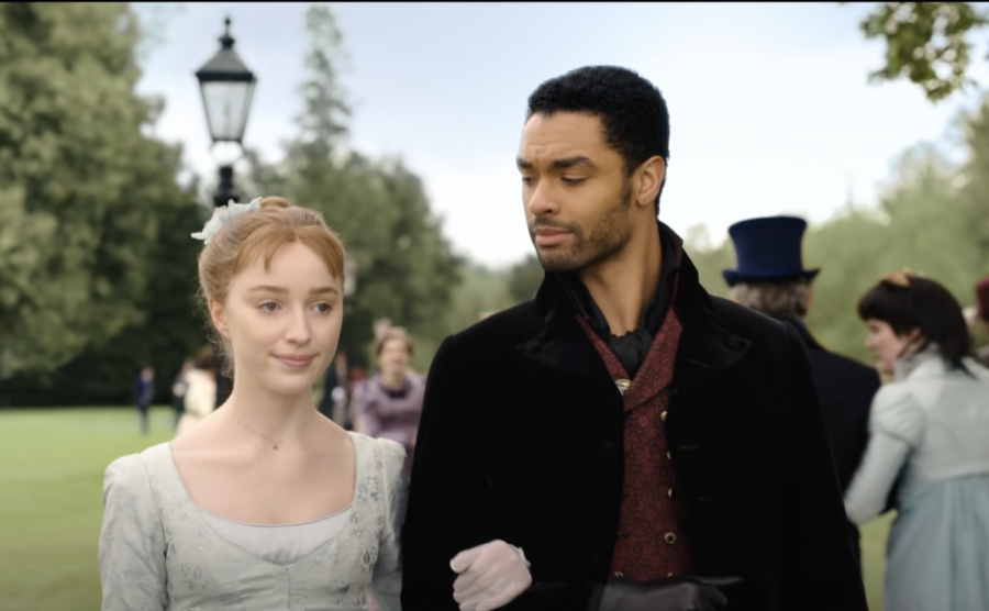 Phoebe Dynevor and Regé-Jean Page play Daphne Bridgerton and the Duke of Hastings in Netflix's new original series,